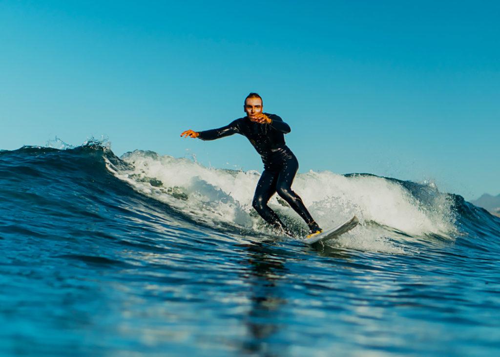 surfing-waves-2